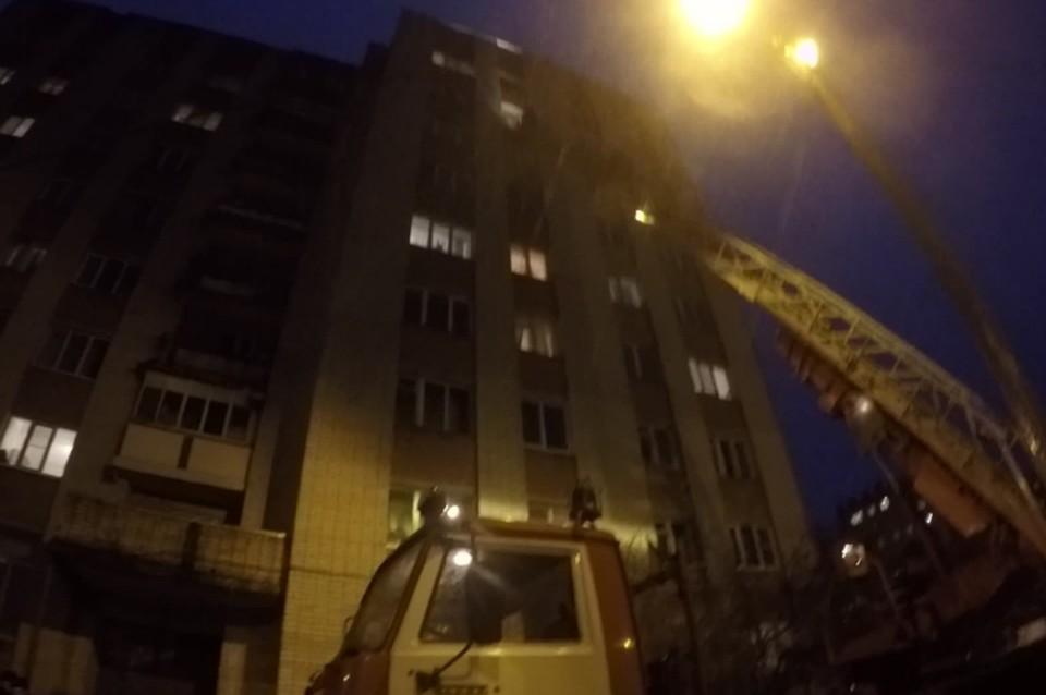 ВЯрославле изокна многоэтажки наСуздальском шоссе выпал мужчина