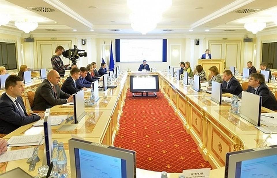 Региональный проект «Рабочие кадры для Арктики» обсудили на совещании в руководстве Ямала