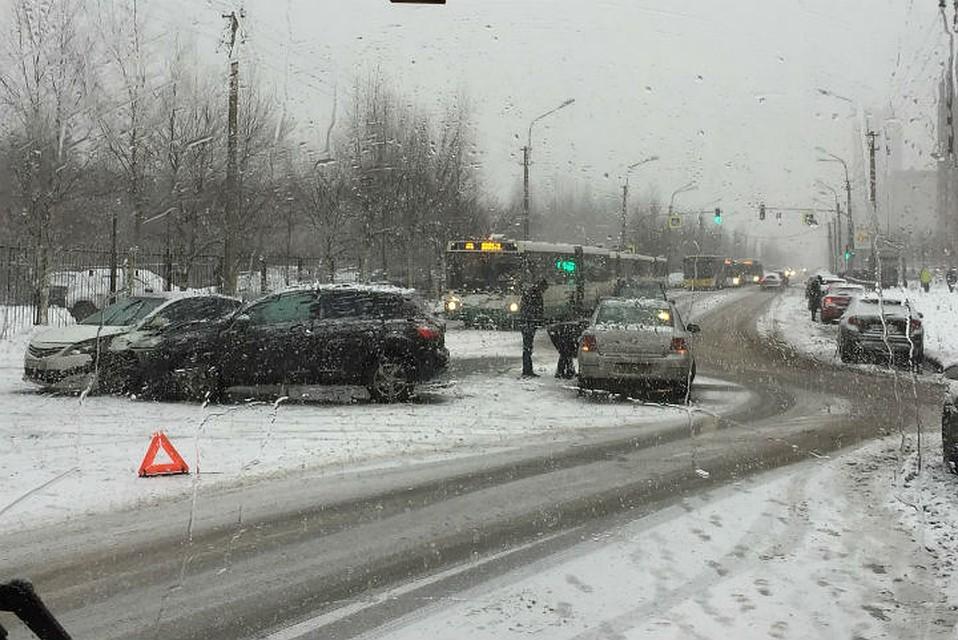 Снегопад вПетербурге: число ДТП возросло вполтора раза