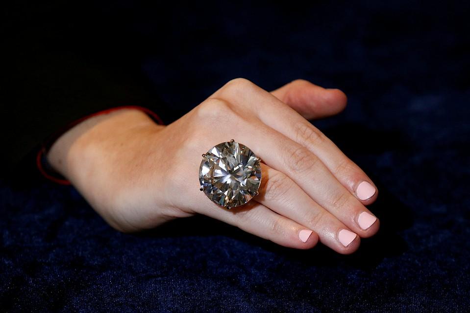 Один изсамых огромных алмазов вмире продан за $6,5 млн