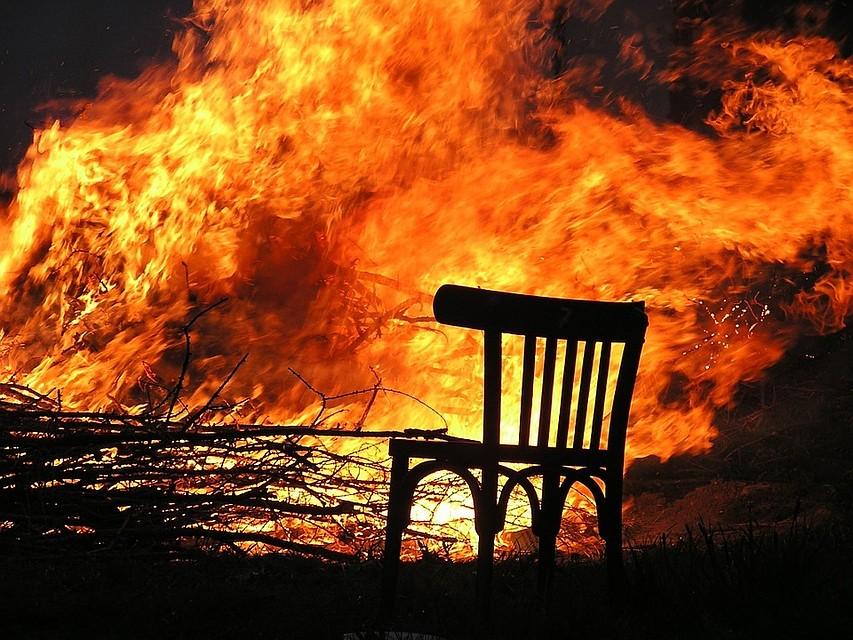 ВВязьме девятилетний парень  спас 2-х  братьев и сестренку  изгорящего дома