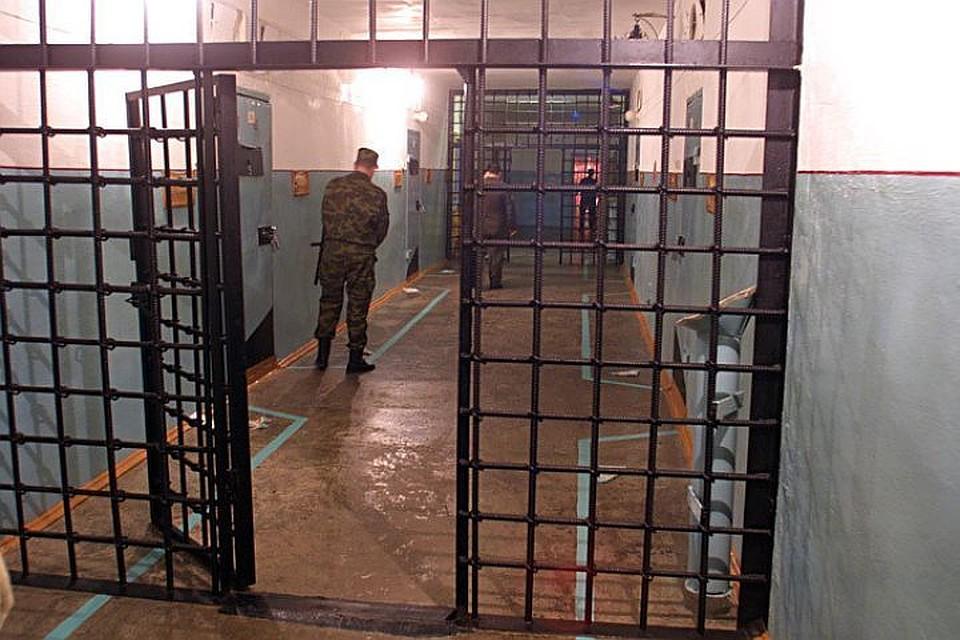 ВНовосибирске заключенного будут судить занападение наинспектора