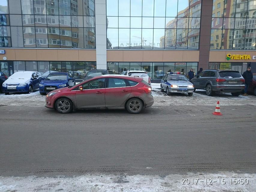 Перебегала дорогу внеположенном месте: иностранная машина сбила 15-летнюю девочку наШейкмана