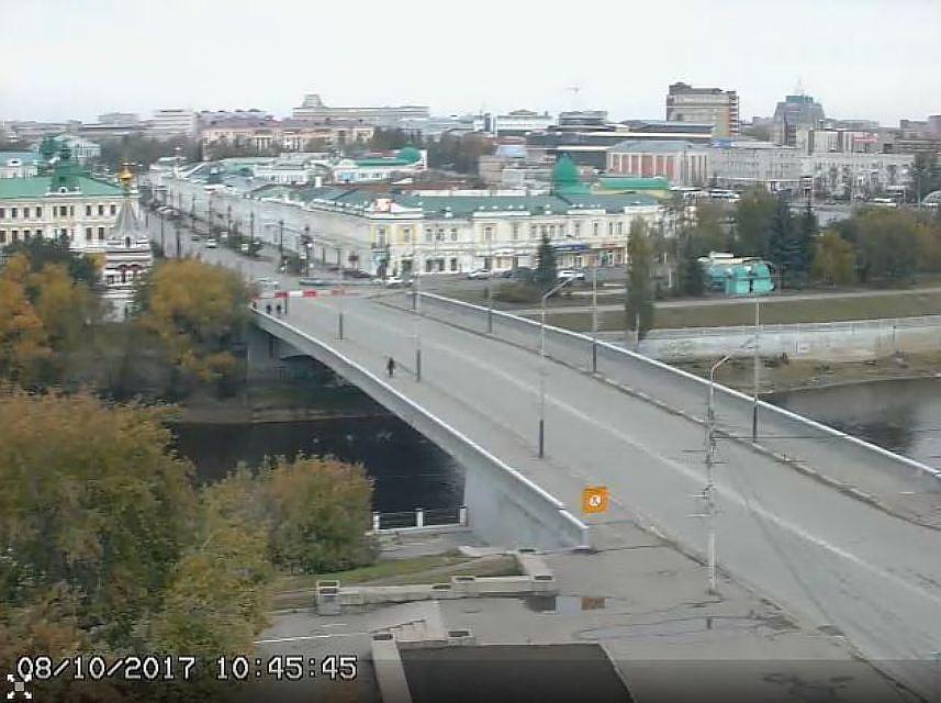 Вовремя реконструкции Юбилейного моста вОмске отыскали необычную бетонную плиту