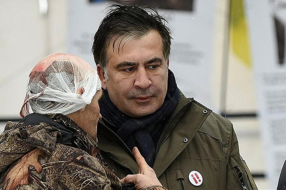 Сторонники Саакашвили покинули взятый штурмом Октябрьский дворец в Киеве
