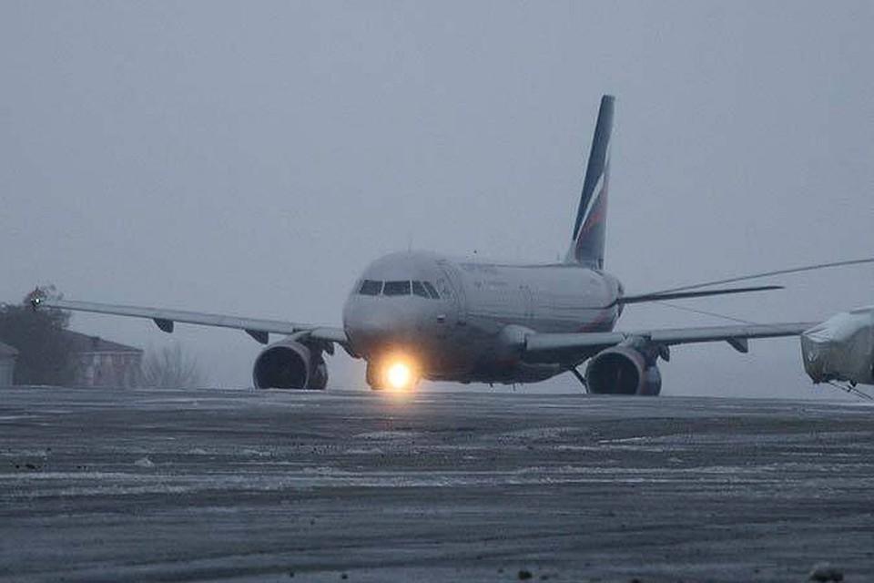 ВВолгограде из-за курильщика наборту снова вынужденно приземлился самолёт