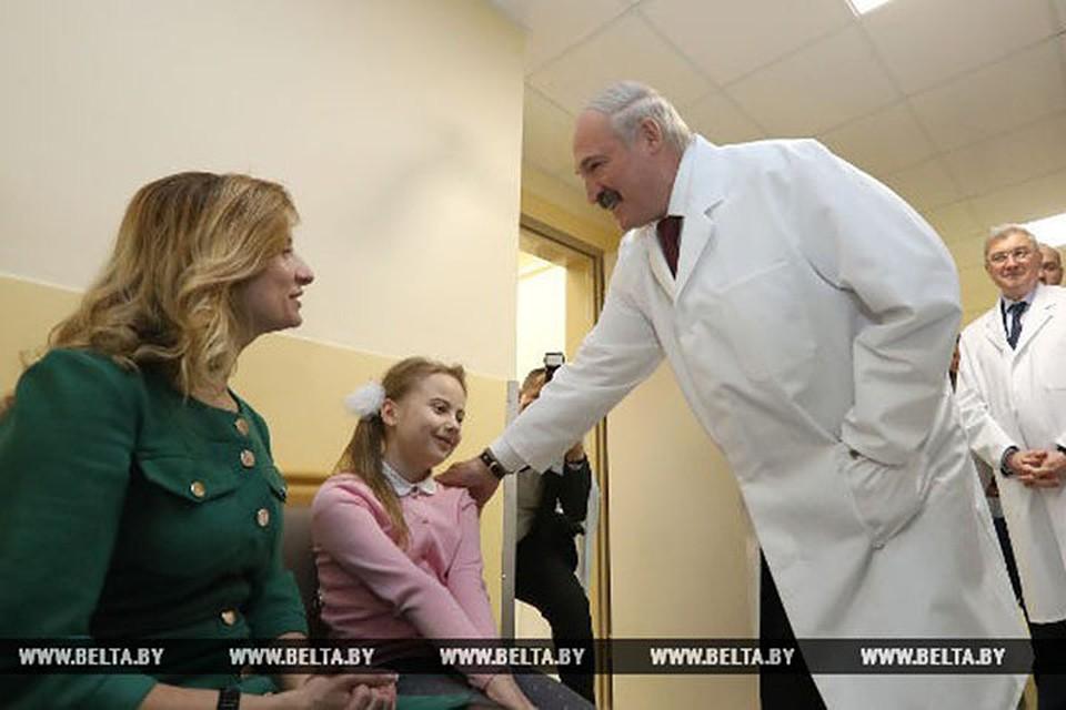 Лукашенко вонкодиспансере: омедицине, материнстве идетях