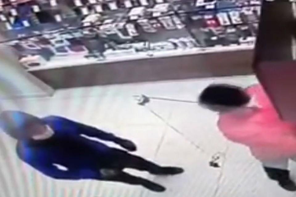 Схвачен парень, грабивший салоны мобильной связи вИркутске