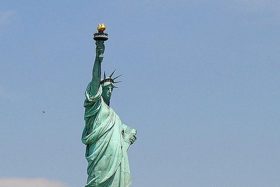 Статую Свободы закрыли для посетителей из-за приостановки работы правительства США
