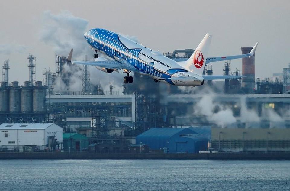 ВХельсинки самолет совершил экстренную посадку из-за возгорания мотора