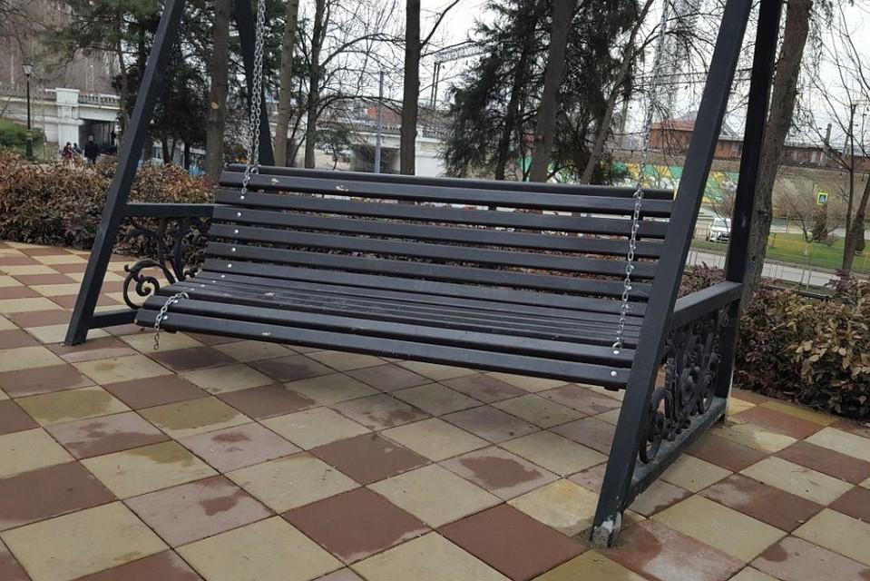 Вандалы повредили новые скверы Краснодара. Власти города собираются установить видеонаблюдение
