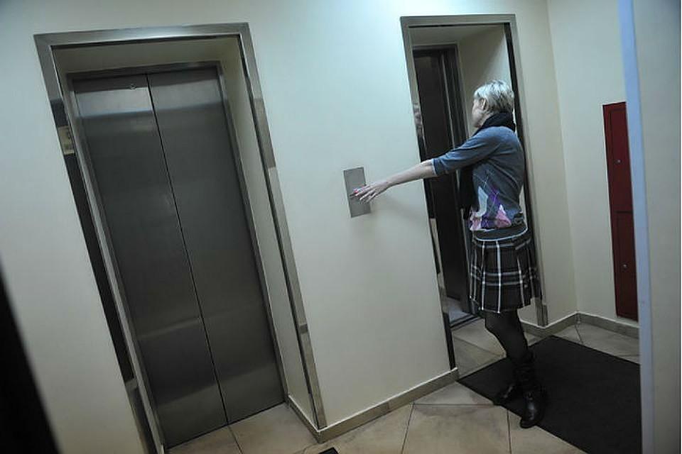 В157 домах Приангарья починят и поменяют лифты