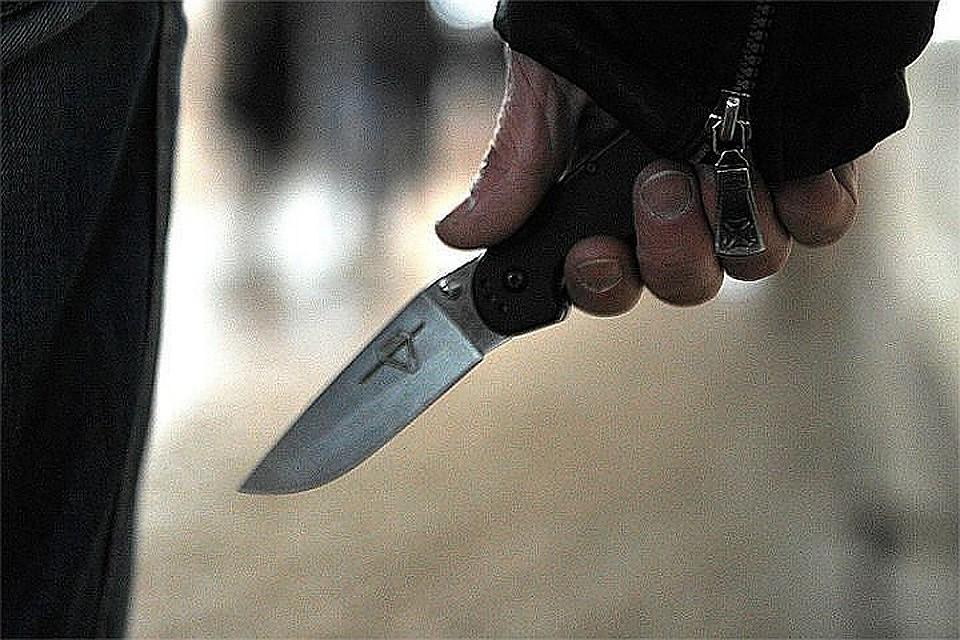 ВНидерландах студенты отбились отвооруженного ножами мужчины