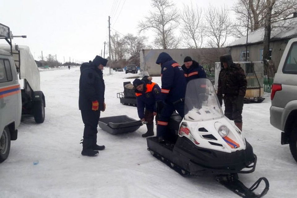 Пропавших рыбаков с сыном ищут наозере вНовосибирской области