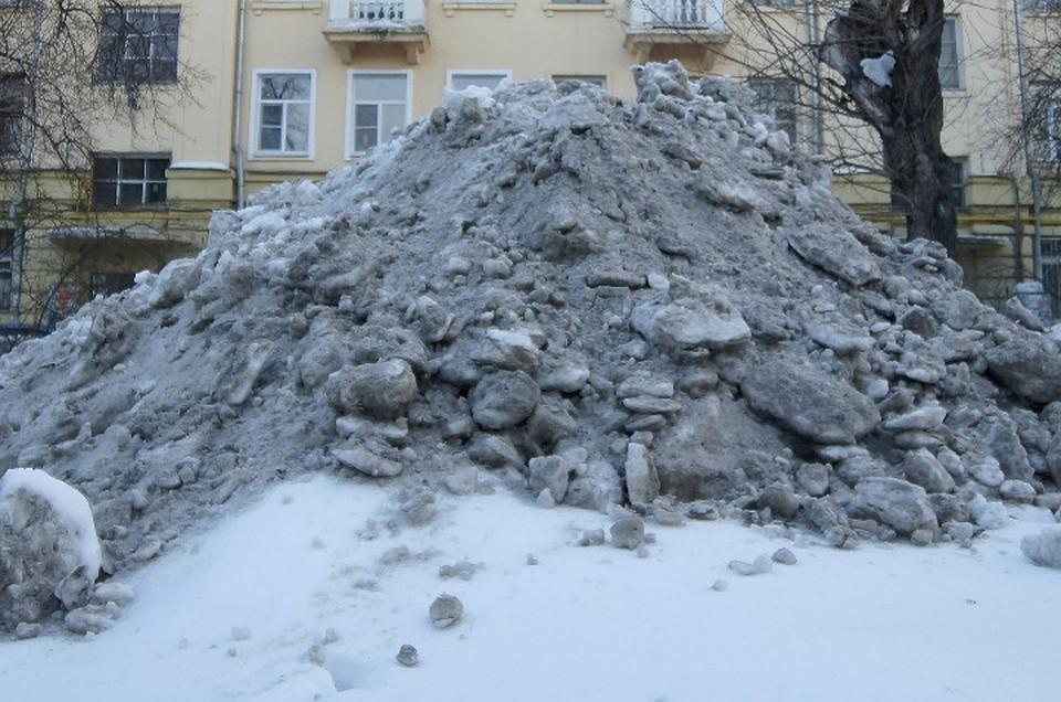 Босс екатеринбургскойУК ответит всуде засмерть девушки, засыпанной снегом