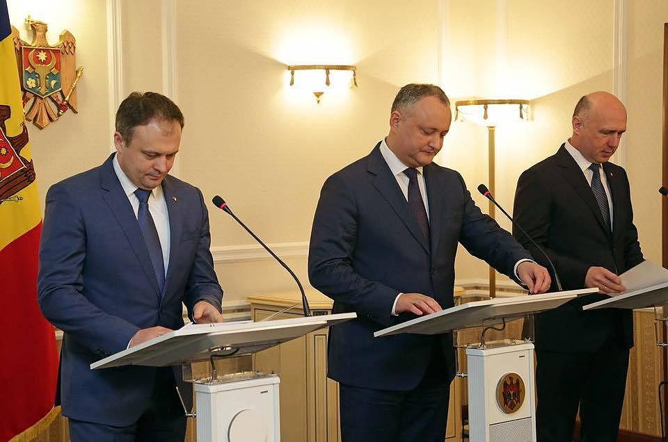 Президент Молдовы хочет отправиться свизитом в РФ