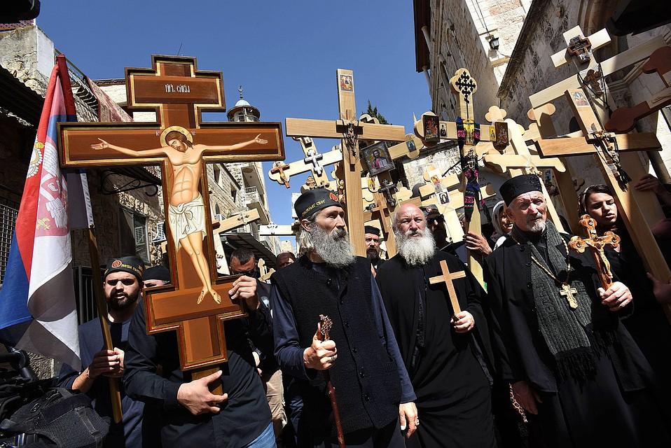 ВИерусалиме христиане ожидают схождения Благодатного огня