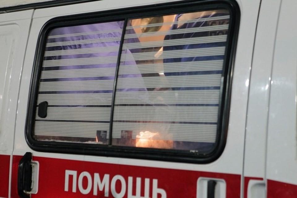 ВТомске восьмилетняя девочка выжила, упав сдесятого этажа накрышу автомобиля