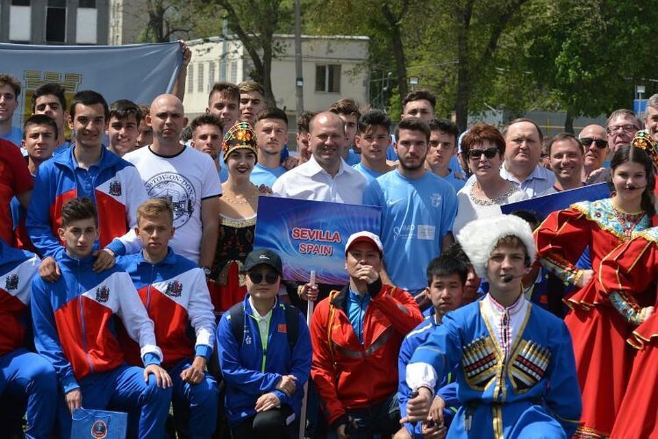 Кубок Дружбы пофутболу стартовал вРостове