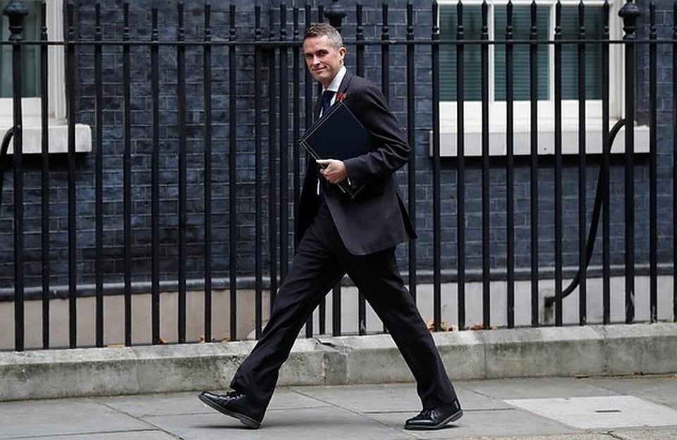 Siri перебила английского министра обороны вовремя выступления