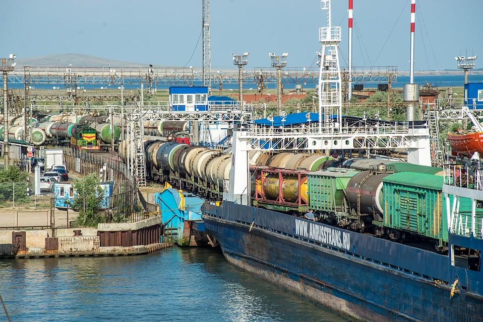 НаКерченской переправе треснул железнодорожный паром