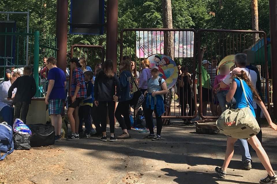 Отдыхающие вдетском лагере Ижевска дети обратились к мед. сотрудникам спризнками отравления