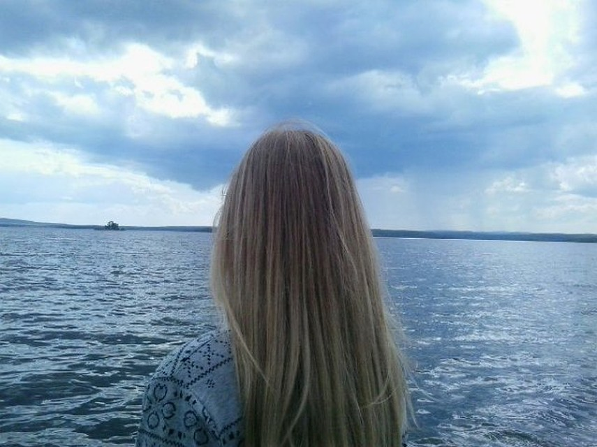 ВЧелябинской области возере ищут тело упавшей сгидроскутера девушки
