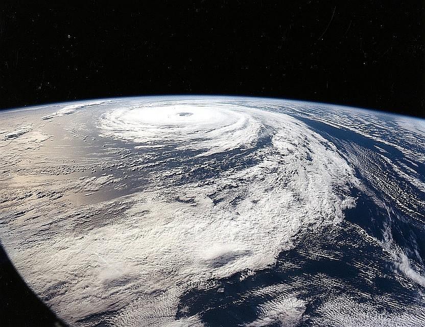 ВИндии из-за последствий циклона погибли 11 человек