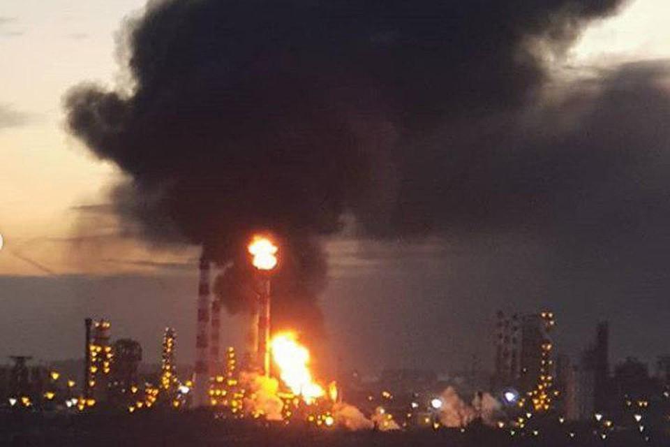 Пожар произошел нанефтеперерабатывающем заводе вКапотне