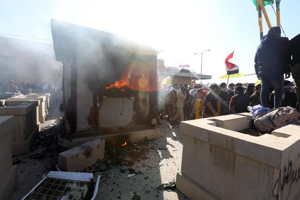 Вертолеты в небе: в Сети опубликовано видео с места ракетного обстрела в Багдаде