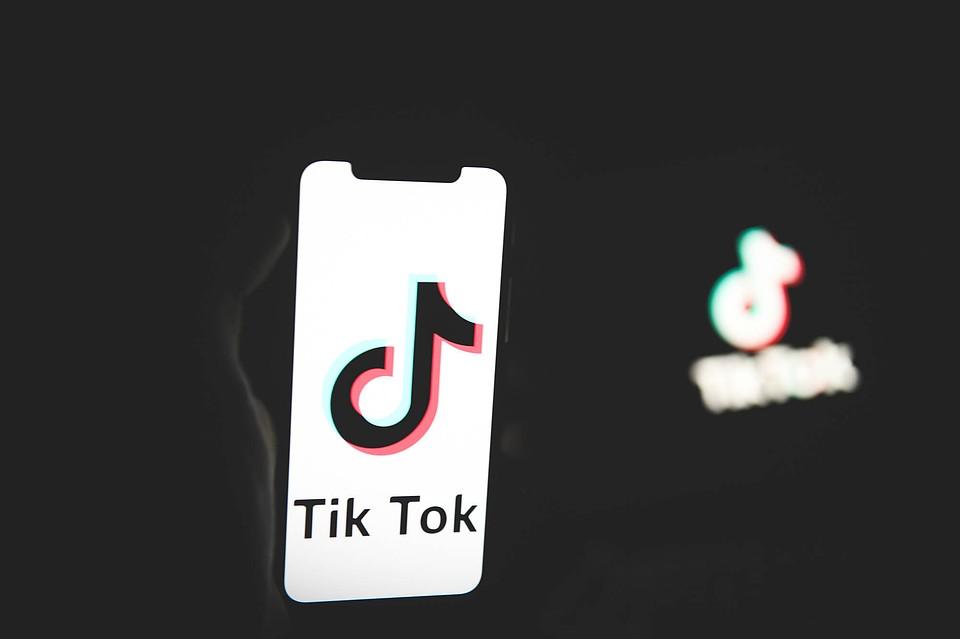 ВAmazon опровергли данные обудалении сустройств работников TikTok