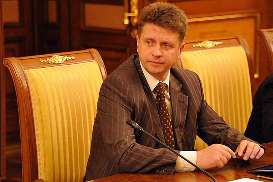 Как пояснил глава Минтранса Максим Соколов, решение о провозе жидкостей теперь в каждом индивидуальном случае будет принимать сотрудник службы безопасности аэропорта
