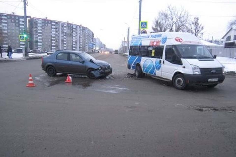 Видео 5 человек ранены в ДТП с маршруткой в Челябинске