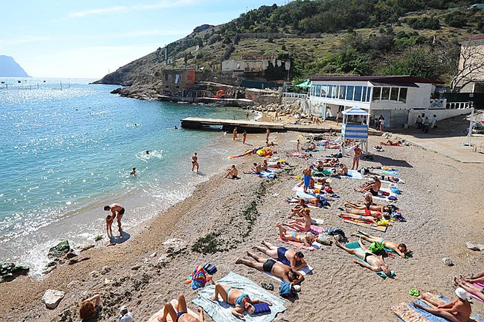 Судьба черноморского полуострова резко изменилась как раз в то время, когда семьи решают, где провести летний отпуск