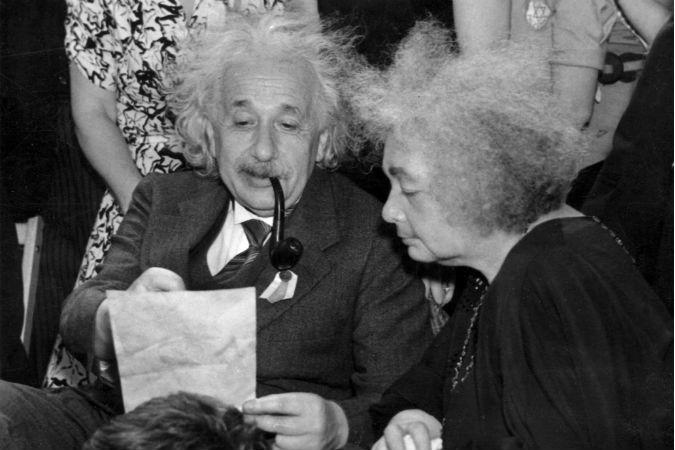 Альберт Эйнштейн - главный миф ХХ века