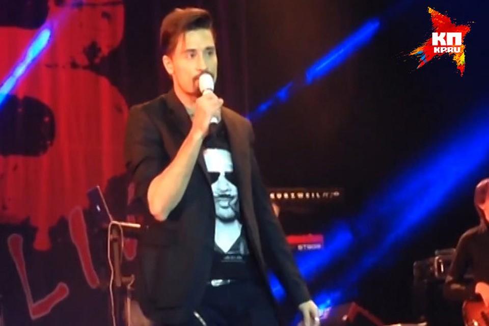 Причиной ссоры артистов стало видео в Сети, на котором Дима Билан просит прощения у зрителей за свое плохое самочувствие. Фото - кадр из видео