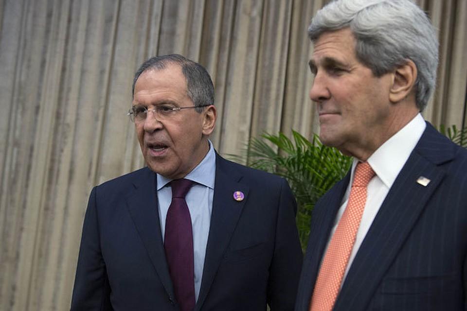 Госсекретарь США Джон Керри посоветовал главе МИД России Сергею Лаврову игнорировать слова Барака Обамы
