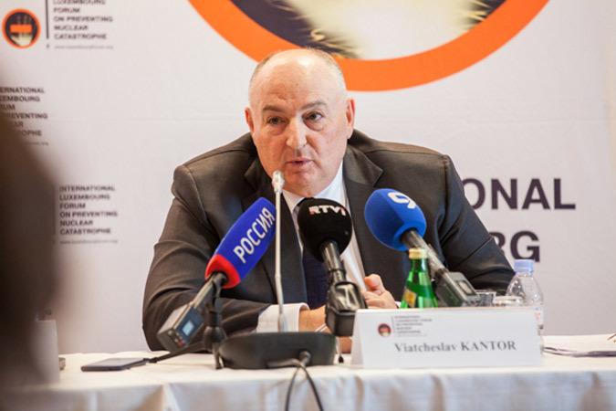 Вячеслав Моше Кантор на пресс-конференции по ядерному разоружению, Стокгольм (Швеция), 2015 г. Фото: Йохан Хальсиус.