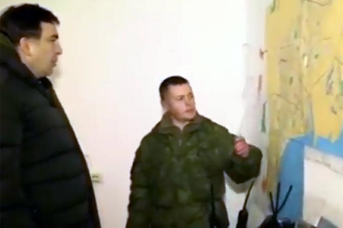 По итогам поездки он разметил видео, на котором видны секретный пост наблюдения, оперативная карта с пояснениями командира и лица военных