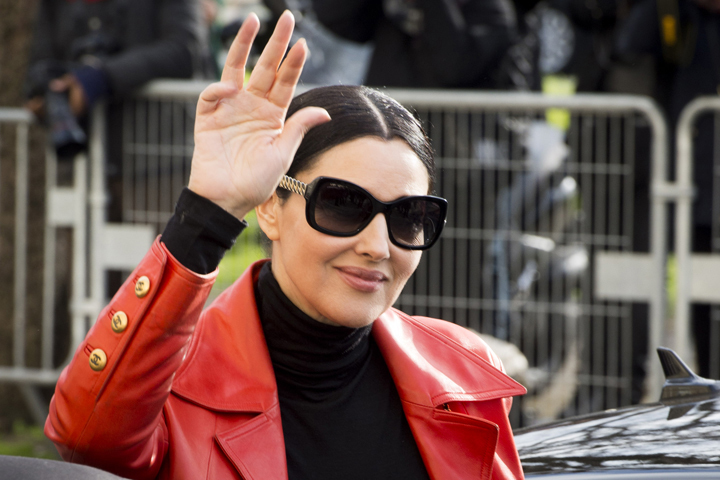 Моника Белуччи стала почетной гостьей Парижской Недели моды.