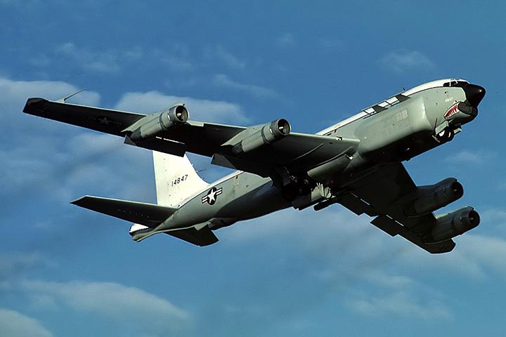 В СМИ США очередной раз обсуждают рапорт пилота самолета-разведчика НАТО - RC-135U