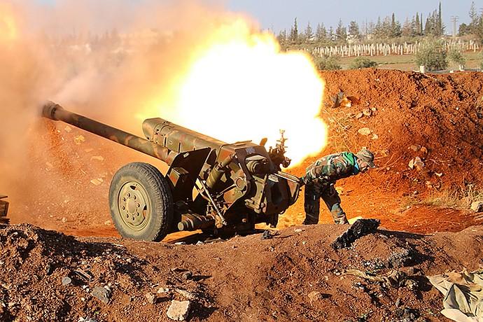 С позиций вокруг блокированного Османа по позициям боевиков долго бьет артиллерия