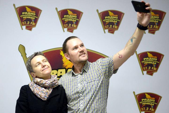 Светлана Сурганова с презентацией своего нового альбома #МируМир в гостях у Антона Арасланова на Радио «Комсомольская правда»