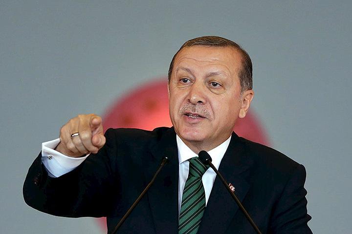 Эрдоган заявил о праве Турции вести операции против террористов за пределами страны