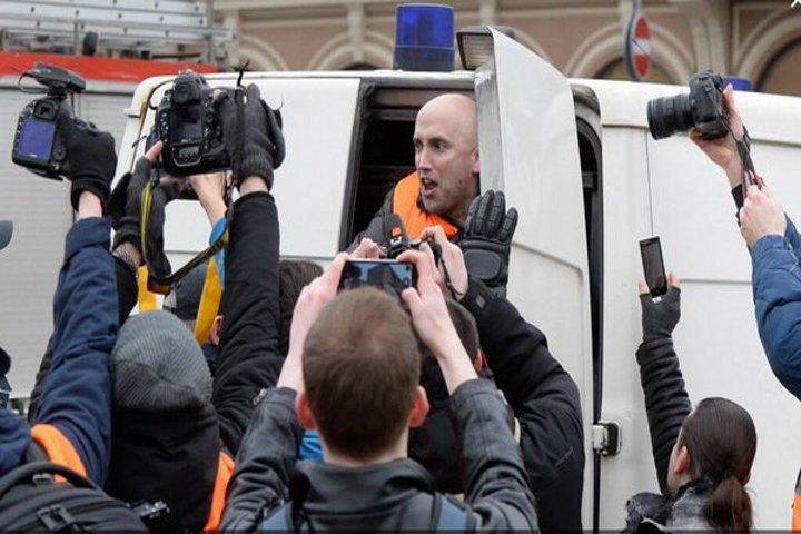 В Латвии задержан известный британский журналист Грэм Филлипс ФОТО:@GrahamWP_UK