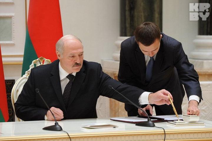 Пресс-службу главы Беларуси вновь возглавил Сергей Пелюшкевич.