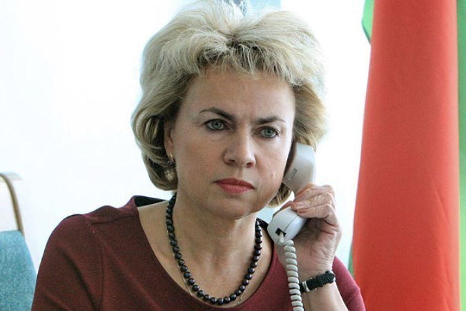 Женщина не должна быть ограничена в реализации своих прав, считает министр