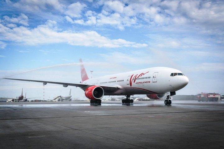 """Первым рейсом """"ВИМ-Авиа"""" из Пекина в Петербург прилетели 269 пассажиров. Фото: пресс-служба """"Воздушных Ворот Северной Столицы""""."""