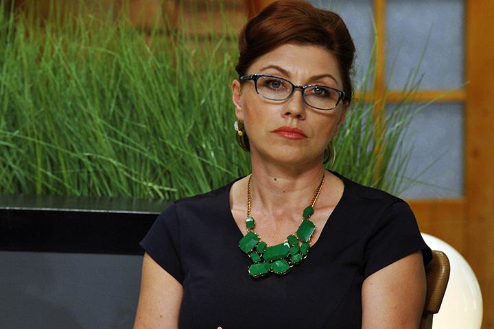 54-летняя телезвезда в интервью «Комсомолке» призналась, что «чисто по-женски, хочет просто быть рядом с мужчинами в Думе»