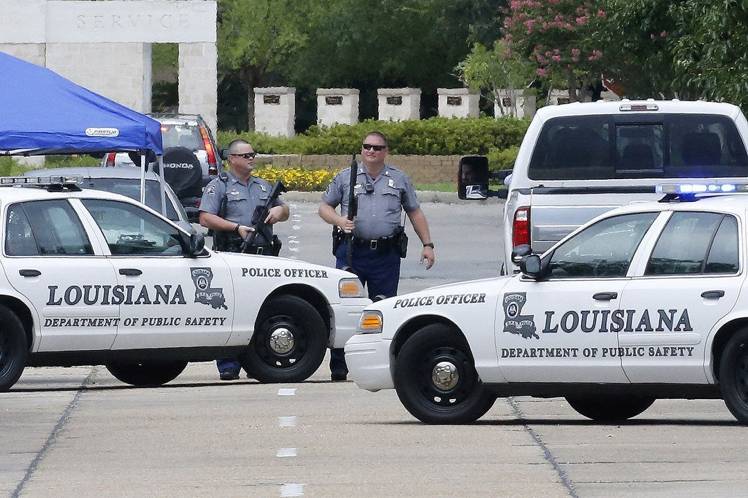 Стрелок, убивший полицейских вЛуизиане, служил вморской пехоте США